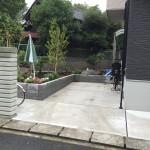 軽自動者車用駐車場をつくったため庭は小さくなりましたが、木を植えたり花を植えたりちょっとした楽しみにお使いいただいているようです。