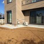 家の周りほぼ全面に犬走りを設置。泥はね防止になります。