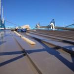 屋根工事。かなり高いです(+_+)