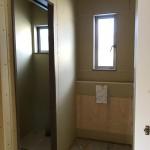2階トイレと洗面台設置スペース 明るいです。